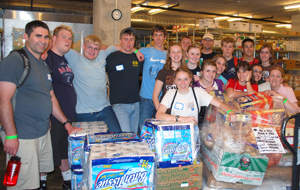 Teens help Pacific Garden Mission