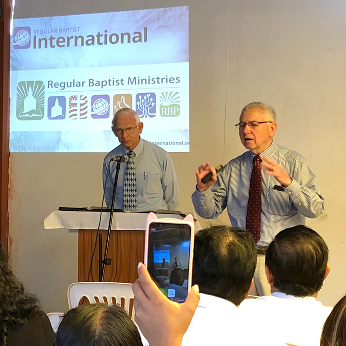 Hindals Minister in Trujillo, Peru